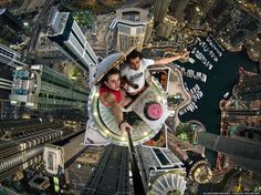 Amazing Selfie Taken at the Top of The Tallest Building In The World