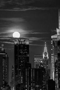 New York la nuit ça ressemble à Gotham city