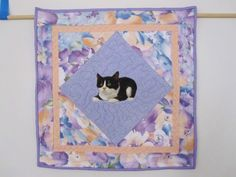 QUILTED AND APPLIQUED CAT TABLE CENTER PIECE,MAT, WALLHANGING , DATED & SIGNED http://www.etsy.com/shop/QuiltingbyDiamanti  http://stores.ebay.com/rpmdtm instagram:quiltingbydiamantiandmore  twitter :QuiltingbyDiamanti Pinterest QuiltingbyDiamantiandmore