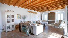 Hoy, con esta Villa en Mykonos, damos por terminada la serie dedicada al estilo Mediterráneo, hemos visto diferentes formas de aplicar y re-interpretar éste
