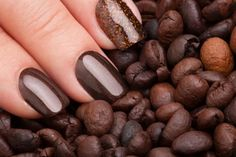 This nail varnish smells like coffee and changes colour with your mood Brown Nail Polish, Brown Nails, Fancy Nails, Cute Nails, Food Nail Art, New Nail Colors, Color Changing Nails, Colorful Nail Art, Nails At Home