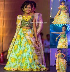 kids lehenga saree by Bhargavi Kunam Kids Lehanga Design, Lehanga For Kids, Girls Frock Design, Kids Frocks Design, Kids Indian Wear, Kids Ethnic Wear, Frocks For Girls, Little Girl Dresses, Girls Dresses