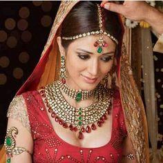 62 Best Indian Bridal Makeup Tips :)