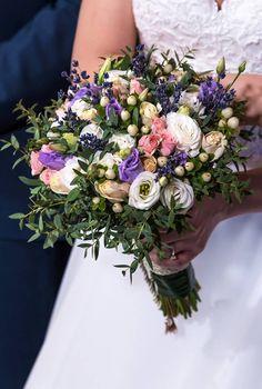 νυφικό μπουκέτο ..Δεξίωση   Στολισμός Γάμου   Στολισμός Εκκλησίας   Διακόσμηση Βάπτισης   Στολισμός Βάπτισης   Γάμος σε Νησί - στην Παραλία. Floral Wreath, Wreaths, Wedding Ideas, Home Decor, Floral Crown, Decoration Home, Door Wreaths, Room Decor, Deco Mesh Wreaths