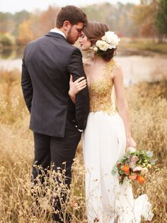 Wedding Photos This is just so perfect! Beautiful idea for wedding photos. I'm so in love - Louisiana Rustic Chic Wedding Inspiration Wedding Picture Poses, Wedding Photography Poses, Wedding Poses, Wedding Photoshoot, Wedding Shoot, Chic Wedding, Wedding Couples, Wedding Pictures, Photography Ideas