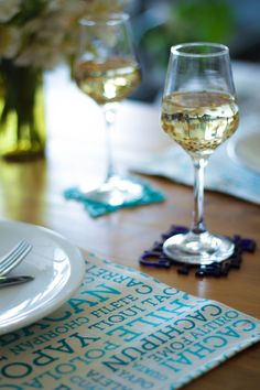 Made in Chile: cotton placemats and coasters with chilean slang.By TiquiTaca