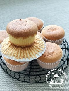Nasi Lemak Lover: Butter sponge cupcakes 奶油小蛋糕
