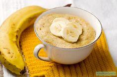 Deze havermout mug cake met banaan is kids proof! Hoe leuk is het om cake te eten als ontbijt? Wedden dat ze hun bed uitspringen om te komen ontbijten?