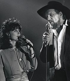 Jessi Colter knew her hard-living husband, Waylon Jennings, had to change his ways, but she sensed God was at work in his life. Famous Country Singers, Country Western Singers, Best Country Music, Country Music Artists, Johnny Cash, Jessi Colter, Betty Ford, Outlaw Country, Castor Oil For Hair