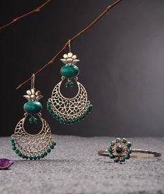 Good things come in little packages specially when it's jewellery. #bestjewelleryJaipur #jkjjewellers #Jaipurjewellery #mansarover_jewellery #bridaljewellery #uniquejewellery