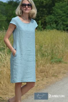 Blauwalfluke Ibella Freuleins - Another! Linen Dresses, Cotton Dresses, Diy Crafts Dress, Sew Over It, Purple Bridesmaid Dresses, Moda Casual, Straight Dress, Sewing Clothes, Short Outfits