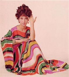 大原麗子 1960s Dresses, Fashion Colours, 1940s, Nostalgia, Snow White, Glamour, Actresses, Japan, Lifestyle