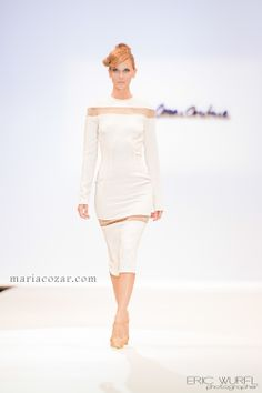 Maria Cózar Couture nueva colección de Primavera/Verano 2014. #collection, #ValenciaFashionWeek, #dress, #whitedress, #runway, #luxury, #fashion, #HauteCouture