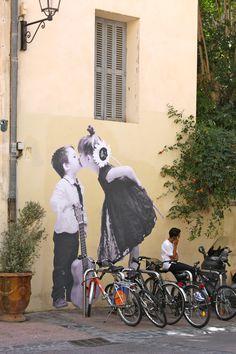 street art in Montpellier, France wall art bansky graffiti grafic paint street art