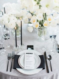 Black and white table decor: Photography: Samantha James Photography - www.samanthajamesphoto.com/   Read More on SMP: http://www.stylemepretty.com/2016/12/06//