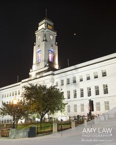 Barnsley Town Hall Super Moon  #barnsley #barnsleyisbrill #bloodmoon #supermoon #lunareclipse #townhall #amylawphotography #moon