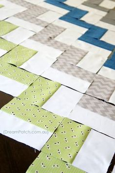 easiest ever chevron quilt (no triangles!) I LOVE this pattern. quick and easy, and pretty. I could do this.