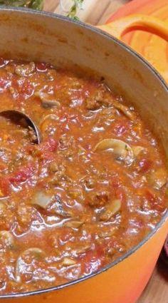 Italian Gravy (Spaghetti Sauce) - waff life photos and shared Italian Spaghetti Sauce, Homemade Spaghetti Sauce, Spaghetti Recipes, Spagetti Sauce, Sauce Recipes, Pasta Recipes, Beef Recipes, Cooking Recipes, Italian Dishes