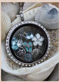 Beach Theme origami Owl Living Locket... Love it!! Makes me think of summer www.lovemyO2.origamiowl.com