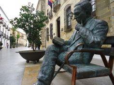 """El Poemario """"TU LUZ DIARIA"""", del jiennense Javier Cano, gana el XVII Premio Internacional de Poesía Antonio Machado en Baeza entre los 260 ejemplares presentados Es la primera vez que gana un poeta de Jaén."""