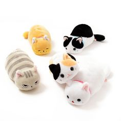 I.need.this.right.now. **Tsuchineko** are a series of adorable little kittens who like to sit down with their feet tucked up underneath them.