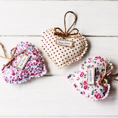 Sister Scalloped Shabby Chic Word Heart by JustLittleGifts on Etsy Sisters By Heart, Diy Gifts, Handmade Gifts, Hanging Hearts, Vintage Fashion, Vintage Style, Special Gifts, Personalized Gifts, Coin Purse