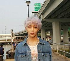 Woosung of The Rose K Pop, J Star, Woo Sung, Korean Bands, Rose Wallpaper, White Hair, K Idols, Boyfriend Material, White Roses