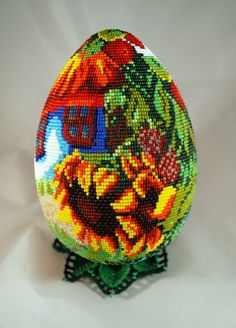 Beautiful beaded Easter Eggs Click on link tosee more photos - http://beadsmagic.com/?p=6684