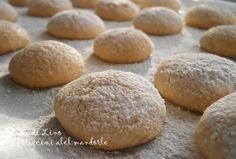 Biscotti alle mandorle senza farina latte burro, Pasticcini morbidi alle Mandorle