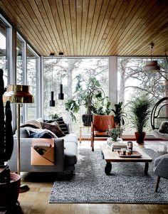 Home Tour: uma casa duplex ensolarada Home Decor Styles, Cheap Home Decor, Home Decor Accessories, Style At Home, Red Brick Walls, Piece A Vivre, Design Furniture, Mid Century House, Home Fashion