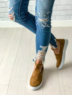 Womens' suede sneakers