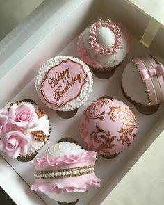 Elegant Cupcakes, Gold Cupcakes, Fancy Cupcakes, Pretty Cupcakes, Custom Cupcakes, Beautiful Cupcakes, Wedding Cupcakes, 1st Birthday Cake For Girls, Birthday Cupcakes