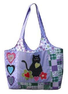 Bolsa de tecido em PATCHWORK com APLICAÇÃO de gatinho,flores e corações Ref.355 by Bety Borboleta, via Flickr