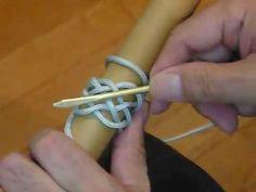 paracord lovers/パラコードラヴァース: Herring Bone Knot....パラコードの編み方...Pineapple Knotとも云います。リードの飾りに