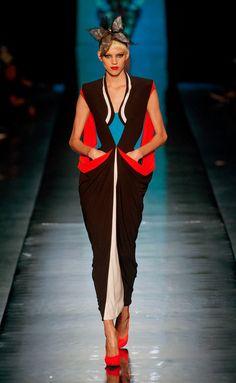 interesante combinación de colores.. Jean Paul Gaultier #HauteCouture  S/S 2014