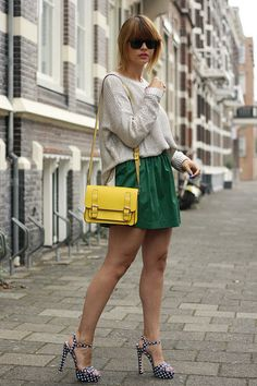 Love the bright yellow bag with the muted green and beige.  Bright lips and nails are gorgeous.