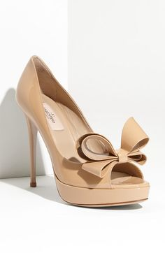 Valentino Couture Bow Platform Pump.... Love the color... Basic but beautiful
