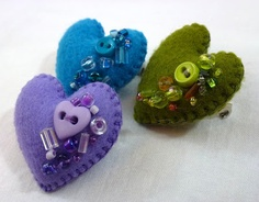 Beaded Felt Hearts. ~~~~like the ones with beads around perimeter better~SB