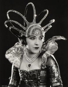 1920's headdress.                                                                                                                                                     More