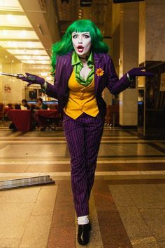 Hallowen Fem Joker cosplay by HydraEvil. , Fem Joker cosplay by HydraEvil. Fem Joker cosplay by HydraEvil. Cosplay Joker, Comic Con Cosplay, Anime Cosplay, Disney Cosplay, Costume Halloween, Cool Costumes, Joker Halloween, Comic Con Costumes, Halloween Makeup