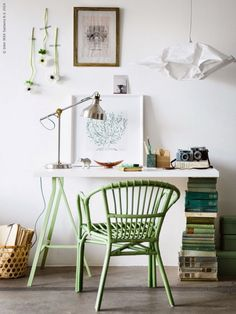 Cute home office with DIY desk and green chair Workspace Inspiration, Interior Inspiration, Inspiration Design, Home Office Design, House Design, Office Designs, Home Interior, Interior Design, Luxury Interior