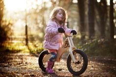Early Rider Classic - Balance Bike for toddlers (helmet recommend). Safer than Tricycles and Training Wheels. When kids learn balance and steering first, they can quickly progress to pedalling.