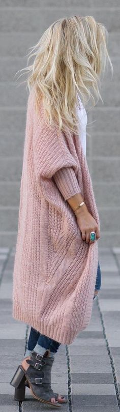Oversized knit cardigan in a blush color