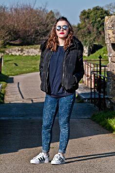 New #look on happinesscoco.com !!! | #style #outfit #winter  #doudoune #sweat #femme | DOUDOUNE Jennyfer - SWEAT H&M - JEAN Jennyfer - Adidas Original Superstar - LUNETTES Moa