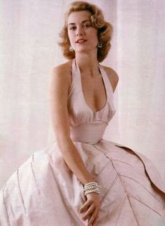 Old Hollywood -Grace Kelly Glamour Hollywoodien, Old Hollywood Glamour, Vintage Glamour, Vintage Beauty, Vintage Fashion, Hollywood Divas, Classic Hollywood, Grace Kelly Style, Princess Grace Kelly