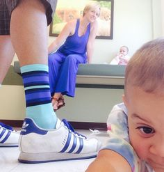 #sockdoping with the fam @kgwpdx chillin in the pediatricians exam room. Classic #threestripes with @hbstache radness. #rybnma @sockdoping by edrn503