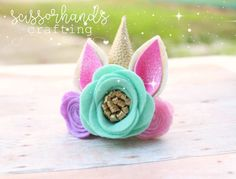Discover recipes, home ideas, style inspiration and other ideas to try. Making Hair Bows, Diy Hair Bows, Bow Hair Clips, Unicorn Birthday Parties, Unicorn Party, Felt Diy, Felt Crafts, Baby Bows, Baby Headbands