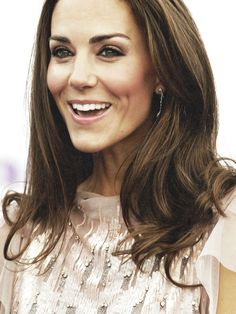 Perfect wedding makeup for brunettes with green or hazel eyes  | Duchess of Cambridge Kate Middleton