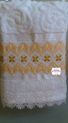 Types Of Embroidery, Rose Embroidery, Embroidery Patterns, Cross Stitch Embroidery, Swedish Weaving Patterns, Chicken Scratch Embroidery, Towel Crafts, Drawn Thread, Just Cross Stitch