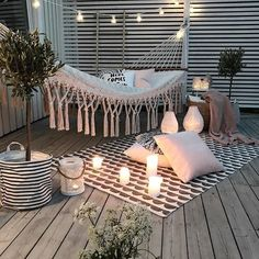 Chouette-Terrasse The Effective Pictures We Offer You About balcony decoration christmas A quality picture can tell you many things. Outdoor Spaces, Outdoor Living, Outdoor Decor, Outdoor Lounge, Small Balcony Decor, Apartment Balconies, Apartment Porch, Cute Apartment, Apartment Balcony Decorating